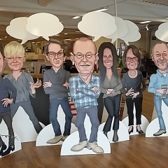 Figurskurna planprintade skivor som butiksexpo hos Stegbo Möbler