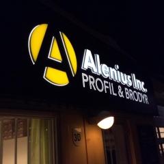 Miljöskylt med profilbokstäver till Alenius Inc.